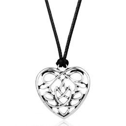 China Viking Jewelry Celtic Knots Heart Necklaces & Pendants Triquetra Color With Rope Chain Men Chain Gift suppliers