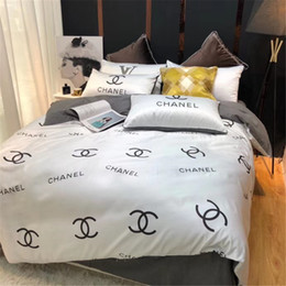 Yellow White Bedding Sets Australia - White Yellow X Letter Bedding Suit Full Print Letter Queen Size Bed Cover Duvet Cover Pillowcase Bedsheet 4 Pieces Sets