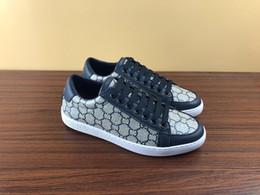 Novos sapatos de grife de moda homem mulheres de couro genuíno de borracha vestido de festa shoes red blue stripes ace tênis com abelha para venda tamanho 38-45