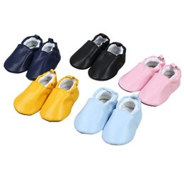 $enCountryForm.capitalKeyWord UK - Baby Leather Shoes PU Leather Cartoon Baby Shoes Soft Bottom First Walkers Sew Panda Rabbit Baby Moccasins Indoor Shoes