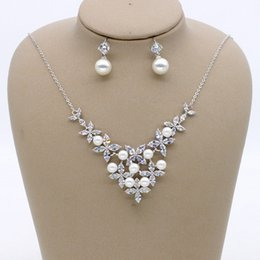 $enCountryForm.capitalKeyWord NZ - Simple bride pearl zircon set chain   flower shape wedding jewelry   banquet dress with accessories   into the store to choose more styles