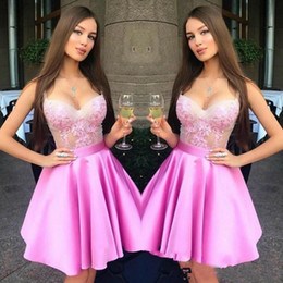 Hot Pink Sweetheart Neck Mini Homecoming Vestidos Lace Zipper Back Sweet 16 Graduation Dresses Vestidos de fiesta robe de retour