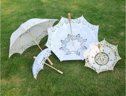 Parasol Handle Australia - Long handle Handmade Art wedding Scallop Edge Embroidery Pure Cotton Lace Wedding Umbrella parasol Romantic Bridal photograph