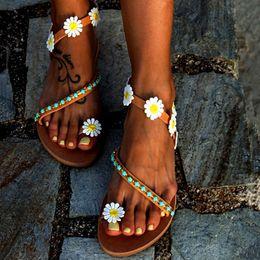$enCountryForm.capitalKeyWord Australia - 2019 New Fashion Hippie Chic Sandals Daisy Leather Flat Slippers Bohemian Casual Summer Beach Shoes Ladies Roman Sandals