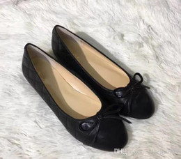 Mint Green Flat Shoes Canada - Leather 2019 women's shoes single shoes fashion brand round head bow high quality flat casual shoes size 36~41