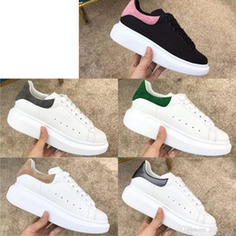 $enCountryForm.capitalKeyWord Australia - Black Casual Shoes Casual Sports Skateboard Shoes Men and Women Fresh Sports Increased Leather Canvas Shoes Quality Product Simple