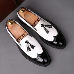 Black White Hair Color Australia - Summer British Brock black and white color matching men's shoes Korean version of the trend of hair stylist pointed shoes wedding shoes