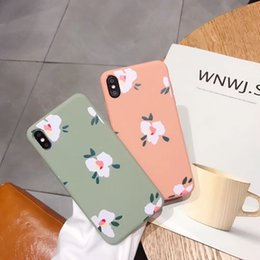 Discount fresh phones - S19 Mobile phone case embossed summer flowers small fresh trend high quality fashion phone case For iphone X XR XSMAX