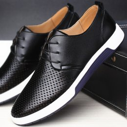 Wholesale TRANNO New Fashion Summer British Style Men Leather Loafers Lace Up Casual Shoes Male Flats White Driving Shoes CC