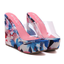 4f8afc889f5b 2019 New Western Style Sexy Women s Transparent Wedges Thick Bottom Round  Toe Platform Sandals Slippers Zapatos de playa 15