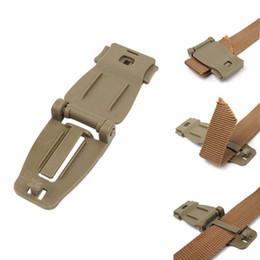 $enCountryForm.capitalKeyWord UK - Hot 2pcs EDC Clip Buckles Molle System Bag Backpack Strap Connecter Buckles Kits Camping Hiking Mountain Climbing Tools