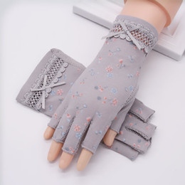 cotton fingerless Canada - Fashion-Semi-Finger Gloves Female Sun Protection Anti-UV Thin Pure Cotton Anti-Slip Driving Half Finger Women Mittens TB30