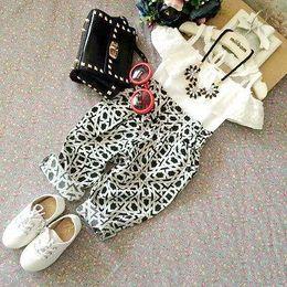 $enCountryForm.capitalKeyWord Australia - Wholesale- New Hot Summer 2 PCS Baby Toddler Girls Summer Sleeveless Lace Floral Vest Tops+Harem Geometric Pants Outfits Set 2-7Y