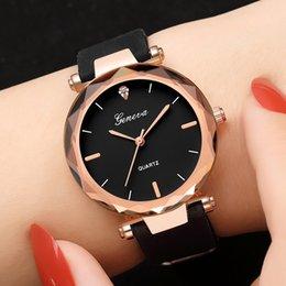 Lady Woman Wrist Watch Australia - relojes mujer Fashion ladies wrist watches Womens clock Round glass silicone strap wrist watch for women ladies watches