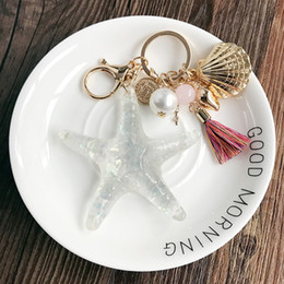 starfish lighting 2020 - Starfish Keychain Couple Key Ring Shell Crafts Pearl Key Chains Lady Bag Pendant Necklace Light Bulb Ribbon Car Trendy J