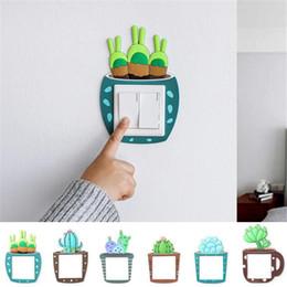 Venta al por mayor de Home Switch decorativo luminoso Cactus Pegatina creativo cubierta del zócalo del interruptor etiqueta de la pared del interruptor luminoso decorativo etiqueta XD23331