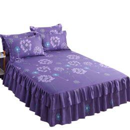 Moda 3pcs juego de cama Ropa de cama falda + 2pc gratuito fundas de almohada boda colcha hoja de cama Cubierta de colchón completo Twin Queen King Size Ropa de Cama en venta