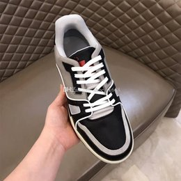 $enCountryForm.capitalKeyWord Australia - 2019 new listing TRAINER men's shoes low-key retro black grey   vitality green   passion red color matching calfskin designer shoes 38-