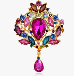 $enCountryForm.capitalKeyWord UK - Wholesale price Clear Crystals delicate jewelry classic Women Brooch Top Quality Party Costume Dress crown Broaches extravagant free ship