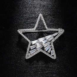 korean zircon accessories UK - Creative Pentagram Brooches Copper Micro Zircon Brooch Korean Simple Scarf Buckle Pin Fashion Clothing Accessories Gift