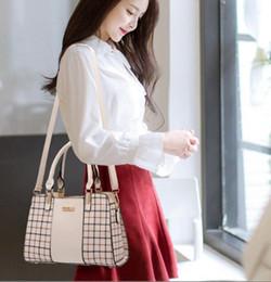 $enCountryForm.capitalKeyWord Australia - 2019 spring and summer Korean version of the new fashion middle-aged female bag shoulder bag Messenger bag Korean version of the handbag#011