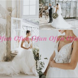 $enCountryForm.capitalKeyWord Australia - Chic Spaghetti Strap Tulle Wedding Dress With Hand Made Flowers Sexy Bohemian Backless Lace Pearls Beading Long Wedding Gown