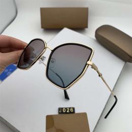 $enCountryForm.capitalKeyWord Australia - 2019 New Style Fashion Sunglasses Cat Eye Oversized Glasses UV Protection Shades Shield Eyewear Retro Gradient Sunglasses with Retail Box
