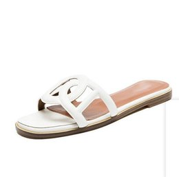 Chinese  The most popular open shoes woman fashion sandals 2019 new summer sheepskin leather sandals women slippers European and American style wear manufacturers