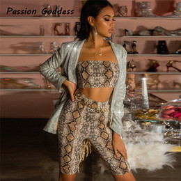 $enCountryForm.capitalKeyWord Australia - Women's 2 Piece Matching Sets Sexy Snake Skin Pattern Suits Strapless Tops Bike Knee Length Shorts Tracksuits Club Set Outfits
