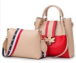 Big Ladies Handbags Australia - 2018 Fashion Women Bag Sets Bee Pearl Female Luxury Handbags Designer Big Ladies Shoulder Bag Famous Brands Leather Casual Tote