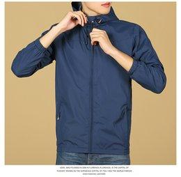Großhandel Neue Designer Männer Jacke Mantel Herbst Mode Jacken hochwertige Designer Sport Windmäntel dünne beiläufige Männer Tops Kleidung M-3XL 6205-1