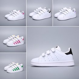 $enCountryForm.capitalKeyWord NZ - 2019 Kids Super Star White Hologram Iridescent Junior Superstars 80s Pride Child Boys Girls Superstar brand breathable Outdoor Shoes