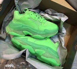 $enCountryForm.capitalKeyWord Australia - Designer Triple S Casual Shoes Men Green Triple S Sneaker Women Leather Casual Shoes Low Top Lace-Up Casual Flat Shoes With Clear Sole