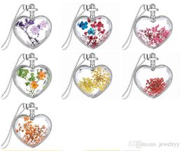 Flower Gift For Love Australia - Novelty Real Flower Pendant Necklace Crystal Love Heart Natural Dry Flower Chain Necklaces Women Valentine's Day Jewelry Gift for Lover
