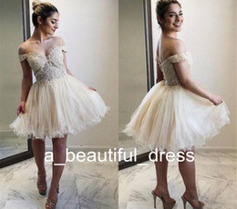 Discount gorgeous homecoming dresses Gorgeous Off The Shoulder Homecoming Dresses Appliques Lace Tulle Knee Length Tutu Ivory White Graduation Party Dresses