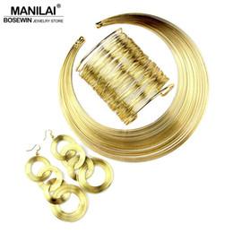 b60bdd3a8ad4 Conjunto indio MANILAI Moda para mujer Conjunto de múltiples capas  Gargantillas de alambre de metal Collar Brazalete Aretes Conjuntos  Conjuntos de joyería ...