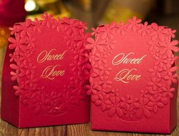 $enCountryForm.capitalKeyWord Australia - 100Pcs lot Red colors Luxury Candy Boxes Laser Cut Sweet Boxes for Wedding Wedding Party Favour Box Party Gift Box lin5072