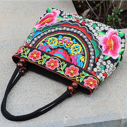 fashion embroidered handbag ethnic UK - Ethnic Style Embroidered Bag Fashionable Handbag Retro Canvas Bag All-match Shoulder Bags Outdoor Personality Floral Women's