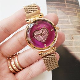 Wholesale 2019 new classic high end brand nice girls cute heart shaped watch face fashion casual ladies quartz watch