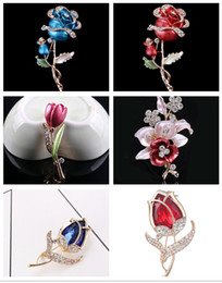 $enCountryForm.capitalKeyWord NZ - Fashion Flower Brooch for Women New Arrival Big Red CZ Crystal Rose Apparel Dress On Sale Statement Jewelry LUOTEEMI