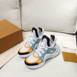 Yeni Detroit Runner Rahat Ayakkabılar Moda Erkek Tasarımcı Ayakkabı Erkekler Siyah Kahverengi Beyaz Tasarımcı Ayakkabı Boyutu 35-44 xyh 789456 indirimde