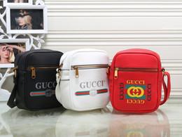 Vente en gros Sac à bandoulière design pour sacs à main de luxe pour hommes Nouvelle marque de mode Cross Body Bag avec lettre imprimée
