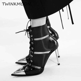 Vente en gros Bottines En Cuir Pour Femmes Boucle Punk Métal Chaussures À Talons Hauts Point Toe À Lacets Bottes D'été Femmes zapatos de mujer
