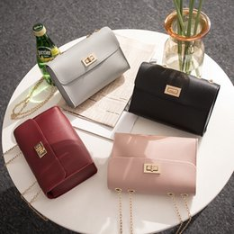 British Bags Wholesale Australia - Hot British Fashion Simple Small Square Bag Women's Designer Handbag High-quality PU Leather Chain Mobile Phone Shoulder bags