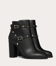 [Original Box] Elegant Brand Sexy Women's Rock Stud Ankle Boot Black Genuine Leather Bottes Top quality Boots Lady Classic Booties EU35-43
