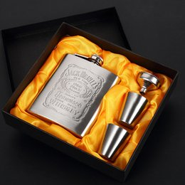 $enCountryForm.capitalKeyWord NZ - 7oz 200ml Stainless Steel Hip Flask Set Man Gift Box Hip Flasks With Funnel Mini Cup Whiskey Portable Drinkware Wine Bottles VF1318 T03
