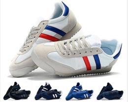 $enCountryForm.capitalKeyWord NZ - 2019 Dragon Men Running Shoes White Hologram Iridescent Junior Women Designer Shoes Sports Casual Walking Outdoors Athletic Sneakers 36-45
