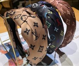 Fascia da donna Hairband per le donne Moda Turbante a strisce dei capelli della fascia Bee modello Stampa Accessori per capelli in Offerta