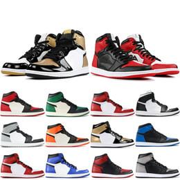 new arrival c4b38 4a4a0 Nike Air Jordan Retro 1 OG Hommes Chaussures De Basketball Chicago Noir  Blanc Pin Vert Hommage À La Maison Haut Paris Saint Allemand 1s Hommes  Designer ...