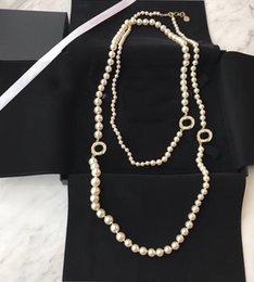 collar popular diseñador marca de moda suéter de la cadena de perlas para las mujeres joyería de lujo de fiesta de la boda para la novia con la caja en venta